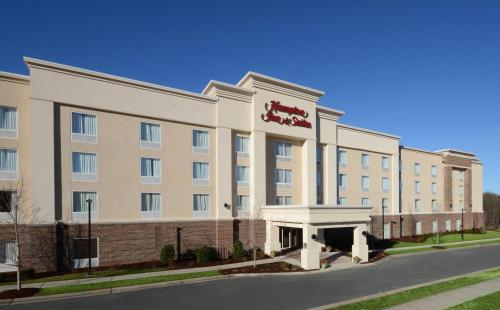 Hampton Inn & Suites Huntersville Photo