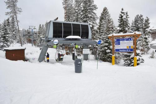 Los Pinos by Ski Village Resorts Photo