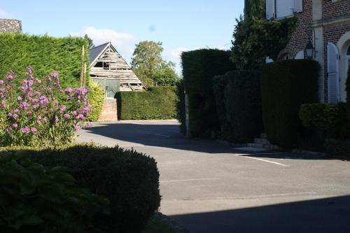 Logis Le Clos du Montvinage Rest. Auberge Val De l'Oise Photo