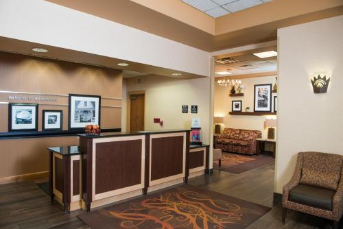Hampton Inn at Tin Lizzie Gaming Resort Photo