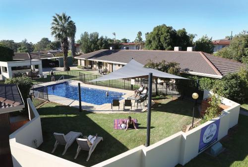 Jacaranda Motel & Holiday Units