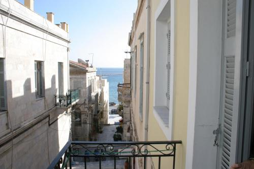 Ariadni Rooms & Apartments - Ermo�polis Greece