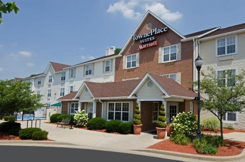 TownePlace Suites Bloomington Photo