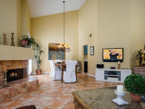 La Quinta Condo with Privileges Home - La Quinta, CA 92253