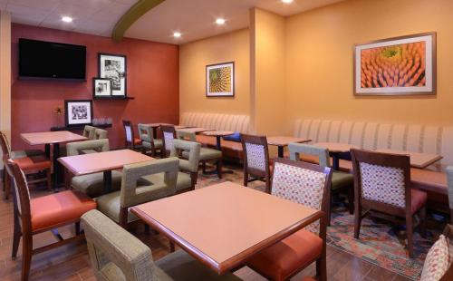 Hampton Inn Fayetteville Fort Bragg Photo