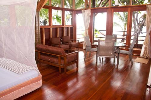 Residencia Natural, Old Point