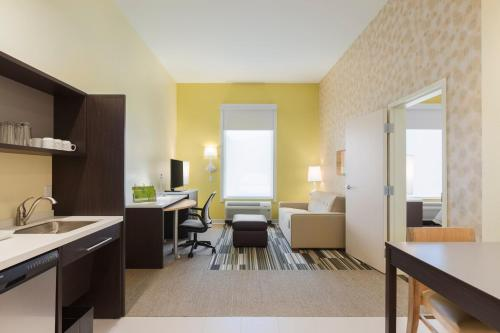 Home2 Suites by Hilton Canton - Canton, OH 44709