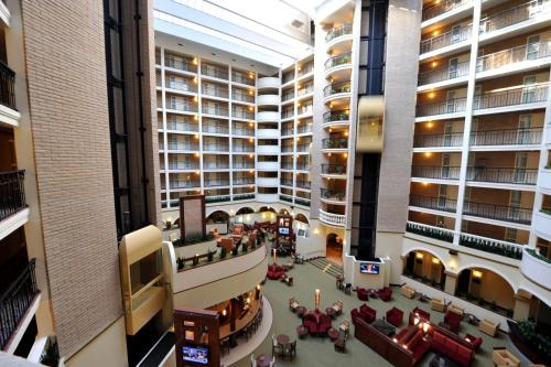 Embassy Suites Dallas - Park Central Area Photo