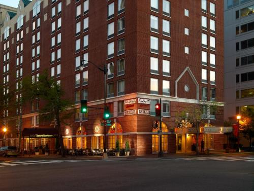 Fairfield Inn & Suites by Marriott Washington Downtown Photo