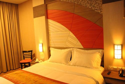 The Golden Bay Hotel Batam photo 12