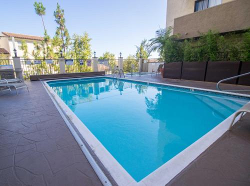 Strathmore Apartments - Los Angeles, CA 90024