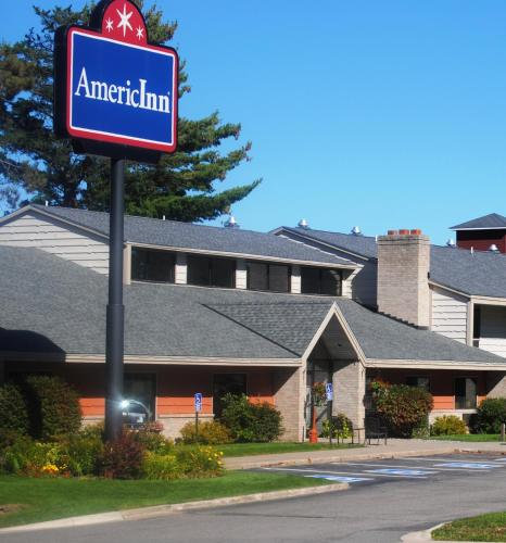 AmericInn Grand Rapids Photo