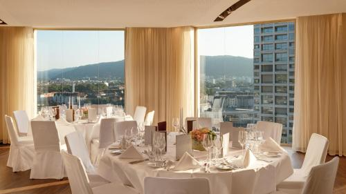 Renaissance Zurich Tower Hotel photo 35