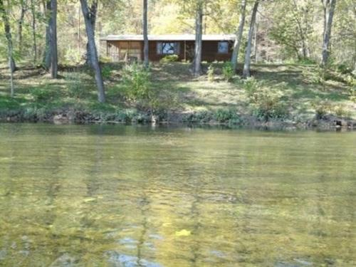 Stone Manor`s Stepping Stone River Front Photo