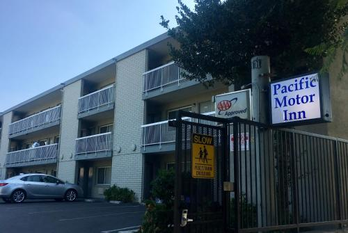 Pacific Motor Inn Photo