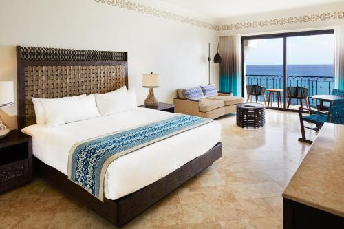 Hilton Los Cabos Beach & Golf Resort Photo