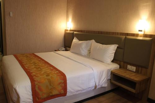 The Golden Bay Hotel Batam photo 41