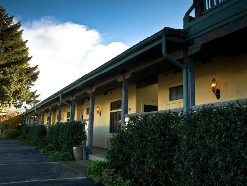 Sonoma Creek Inn Photo
