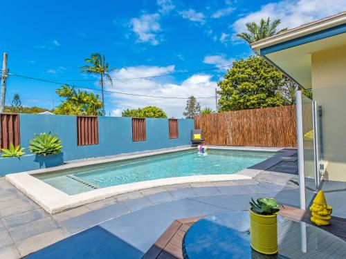 Coolum Waves Pet Friendly Holiday House