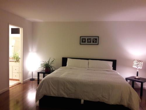 Master Private Bedroom with Your Own Private Bathroom - Cupertino, CA 95014