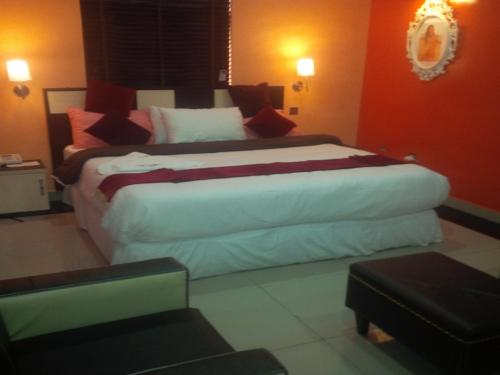 AI-Royal Hotel & Suites, Ikorodu