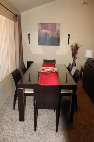 Luxury 2 Bedroom 1.5 Bath Condo AZ