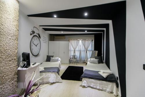 Apartamentos Los Angeles, Альканьис