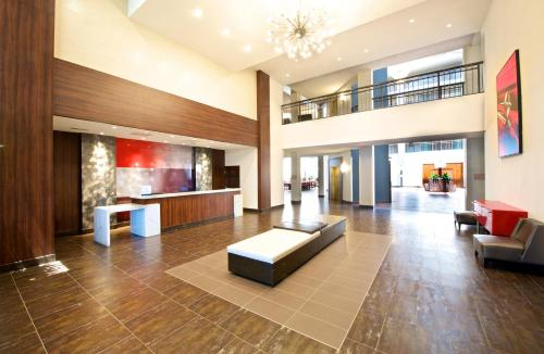 Embassy Suites by Hilton Detroit - Livonia/Novi Photo