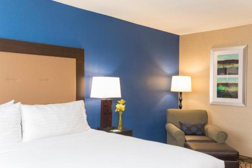Holiday Inn Chicago - Elk Grove Photo