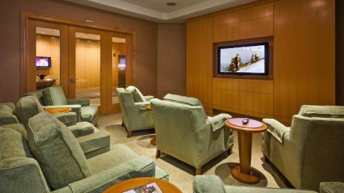 Global Luxury Suites at Massachusetts General Photo