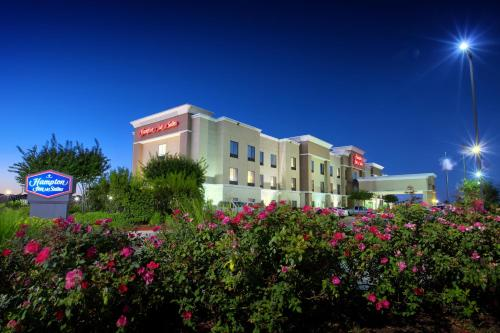 Hampton Inn & Suites Houston Rosenberg Photo