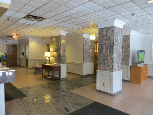Howard Johnson Hotel Yorkville photo 14