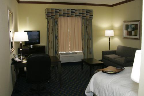 Hampton Inn Alice Photo