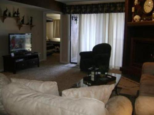 Knolls 1022 Apartment Photo