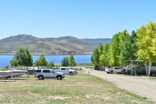 Gunnison Lakeside RV Park & Cabins - A Cruise Inn Park