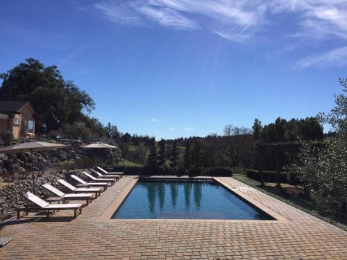 2300 Mill Creek Lane - Healdsburg, CA 95448