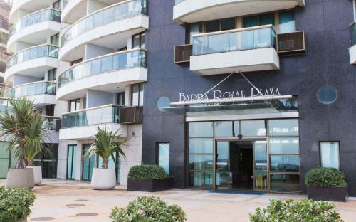 Royal Barra Apartments Living in Rio Photo