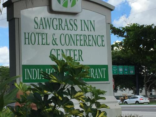 Sawgrass Inn & Conference Center Photo
