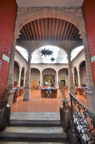 Howard Johnson Calle Real Morelia Photo
