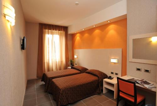 cavour online dating Compare hotel prices and find the cheapest price for the cavour hotel in milan   change dates to see available deals  hotel cavour features a business centre  with internet access, three meeting rooms with a capacity of up to 100 persons,.
