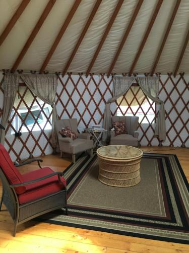 The Peaceful Yurt - Keaau, HI 96749