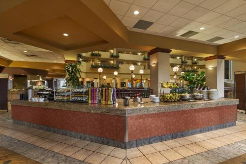 Embassy Suites Portland - Airport Photo