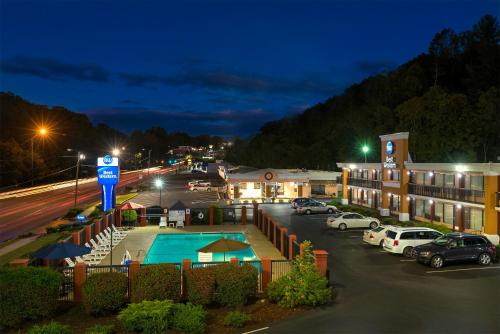 Best Western Asheville Tunnel Road Photo