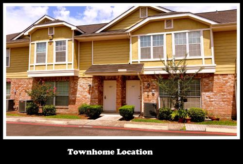 Central/West Houston Townhome (283) - Houston, TX 77043
