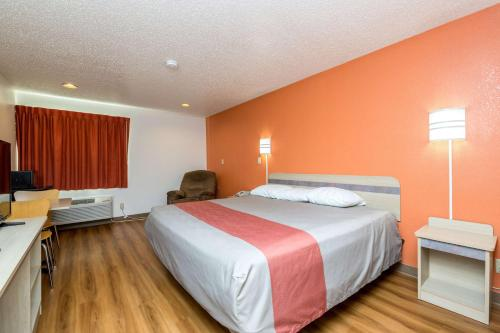 Motel 6 Waterloo Photo