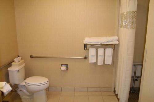 Hampton Inn & Suites Berkshires-Lenox Photo