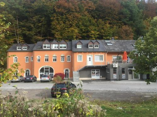 Appart-Hotel Gwendy, Bour