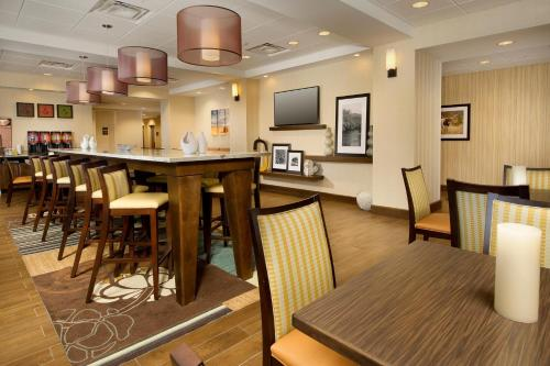 Hampton Inn Uvalde Photo