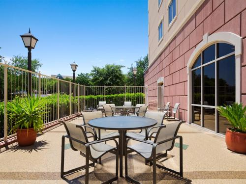 Embassy Suites Austin - Arboretum photo 31