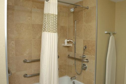 Hampton Inn & Suites Columbus-Easton Area Photo